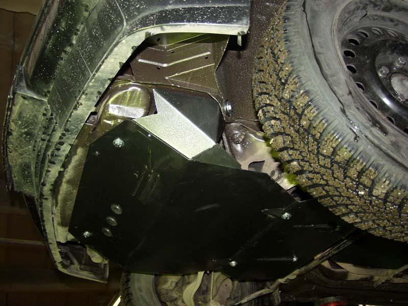 Защита кольчуга устанавливается на штатные места, порошковая покраска предотвращает от коррозии